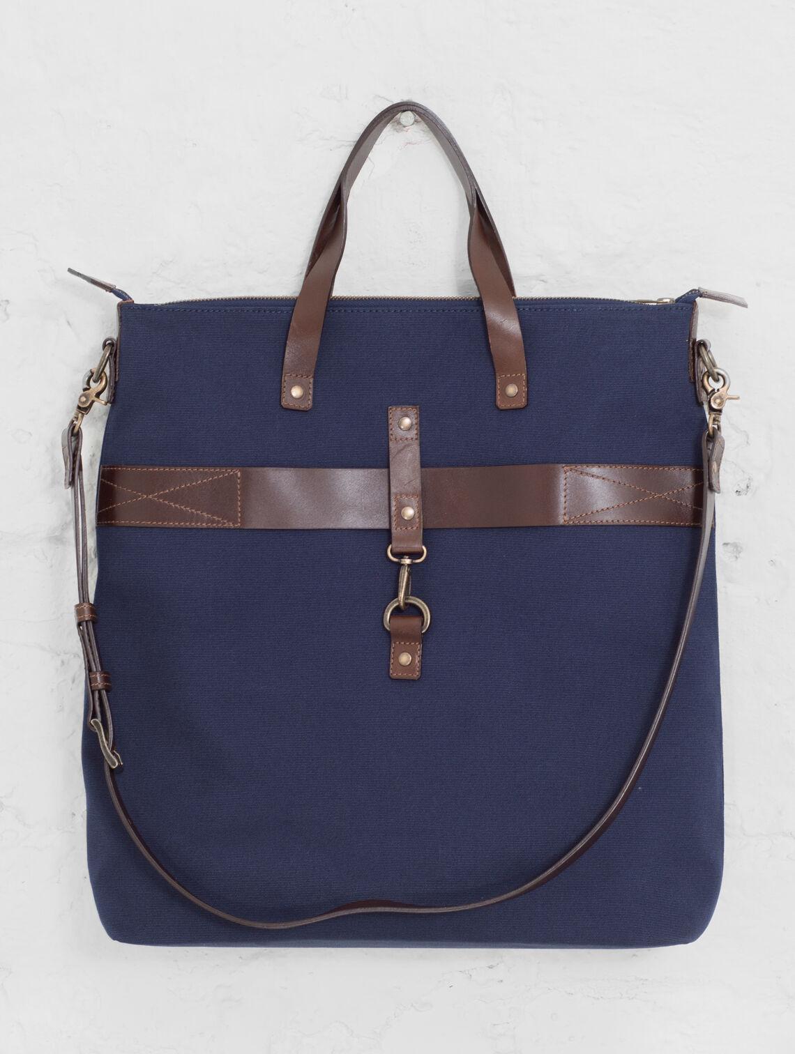Traveller Canvas Bag dark blue   cognac   brass  2bb21bf137411