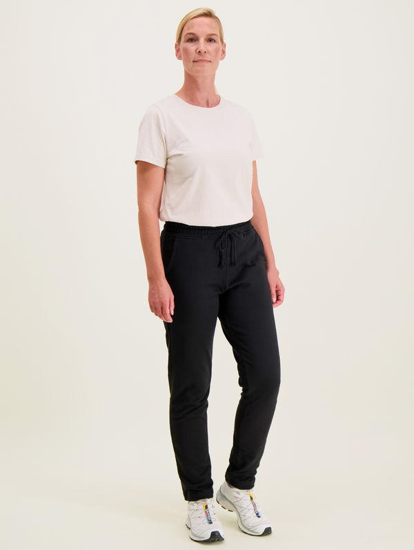 Slim Straight-Cut Sweatpants black