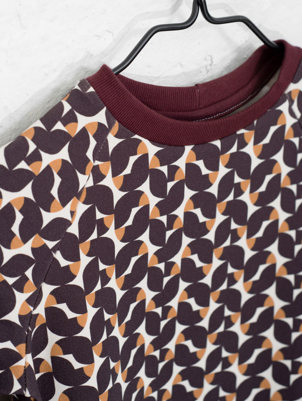 Children's Ruska Mini Sweatshirt burgundy ruska print