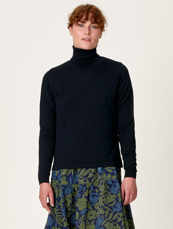 Meri Turtleneck black